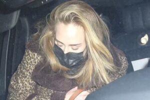 Adele janta com o namorado Rich Paul num restaurante chique em Beverly Hills
