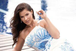 Andressa Suita estrela campanha de moda